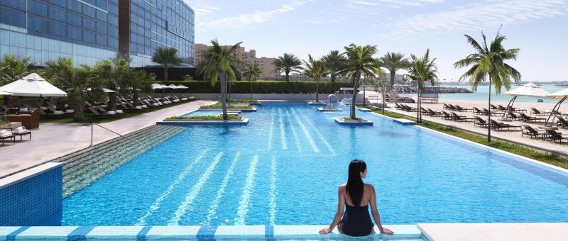 Fairmont Bab Al Bahr Pool
