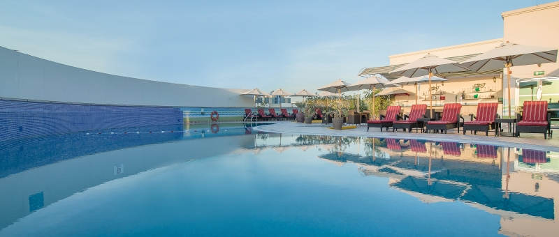 Holiday Inn Bur Dubai Embassy District Pool
