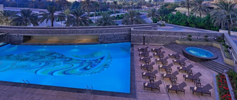 Jumeirah Emirates Towers Pool